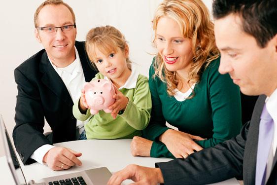 Financial Advisor creating Financial Plan